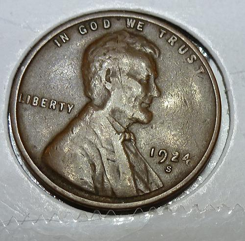 Here is a 1924-S Extra Fine Lincoln Wheat Cent  Grade Extra Fine ( 4129 )