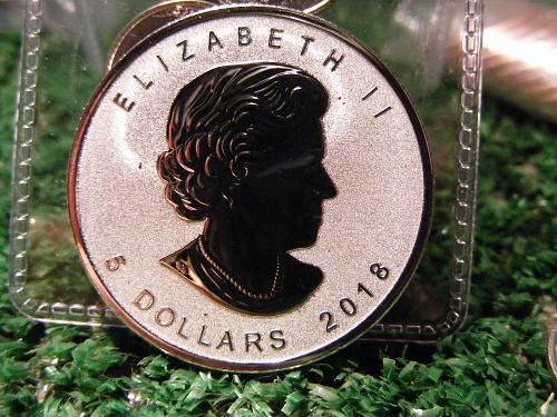 2018 1 oz. Canadien Maple Leaf Lunar Privy (year of the dog) 5$ Silver Coin