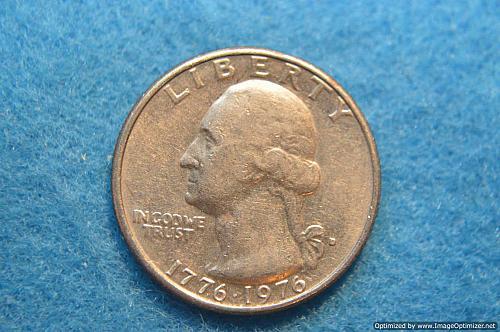 WASHINGTON QUARTER 1776-1976 D BICENTENNIAL