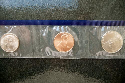 2006-P  (3) piece mint set
