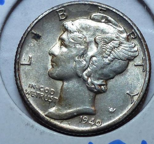 1940 D  About Uncirculated Mercury Dime  AU ( 4421)