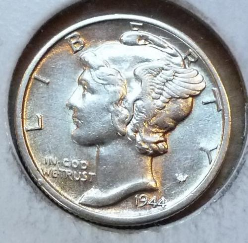 1944-D ABOUT UNCIRCULATED Mercury Dime   ( 631)