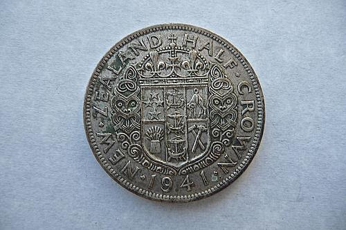 New Zealand  1941   Half Crown