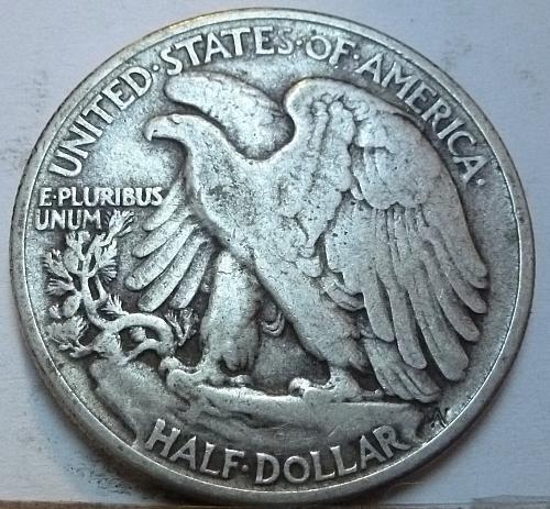1947-P Walking Liberty Half Dollar in Very Fine Grade ( 174 )