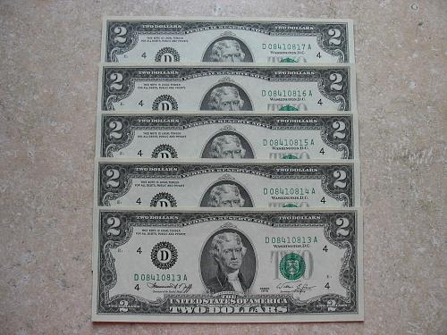 (5) 1976 $ 2  FRN Consecutive Serial #