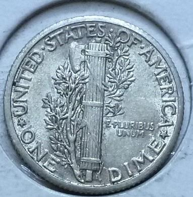 1935-P EXTRA FINE Mercury Dime   (456)