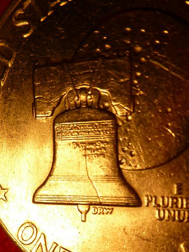 FULL Bell Lines on Unc 1976-P Eisenhower Dollar Type 1, Low Relief, Bold Letteri