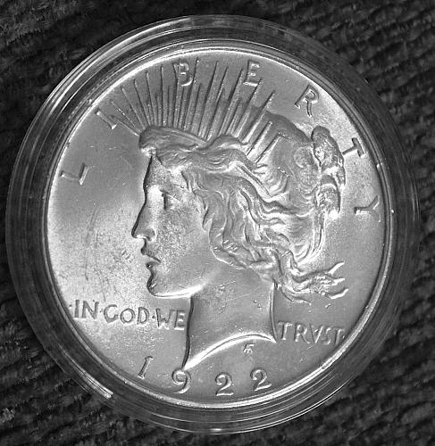 1922 P Peace Dollars: Normal Relief 90% Silver