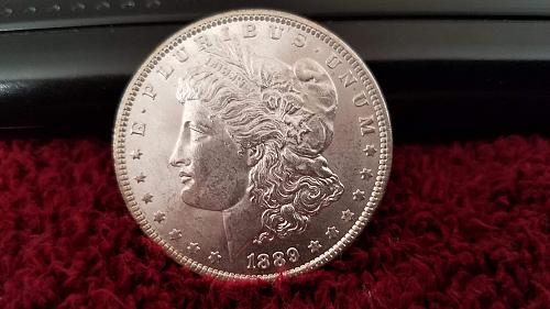1889 P MORGAN $ GEM ((**UNC/MS/BU+++ FABULOUS PIECE! STRONG BREAST FEATHERS!**))
