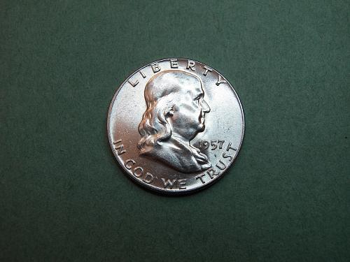 1957 P Franklin Half Dollar BU Coin   v16