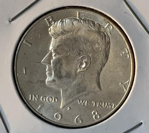 1968 D Kennedy Half Dollar 40% silver  K168