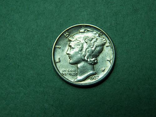 1937 D Mercury Dime Almost Ucirculated Coin   v94
