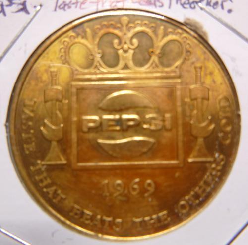 PEPSI 1969 TASTE THAT BEATS THE OTHERS TOKEN