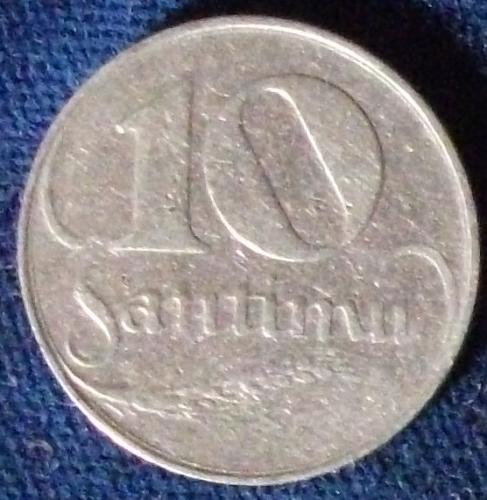 1922 Latvia 10 Santimu VF
