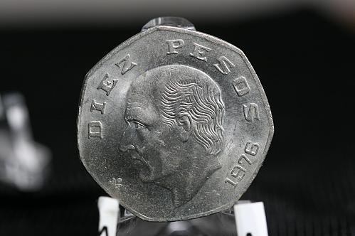 1976 Mexican 10 Pesos  Copper Nickel BU