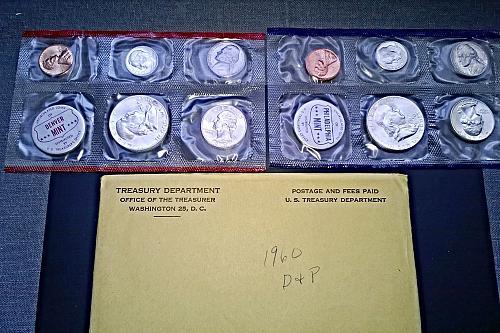 1960 P & D Uncirculated Mint Set - 10 Coins, 2 Tokens - 8 Photos!