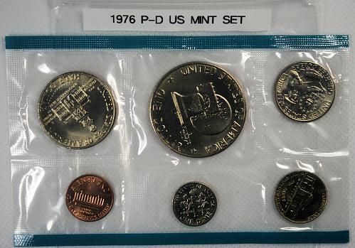 1976 P - D US Mint Set