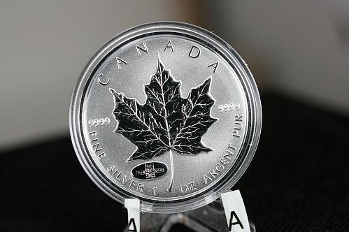 1908 - 1998 Canada 1 OZ Silver Maple Leaf  RCM  90th Anniversary