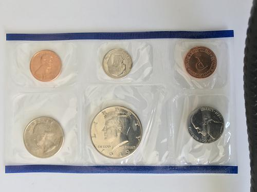 1989 P&D US Uncirculated Mint Set in the envelope W/ Spec Sheet (912-5)