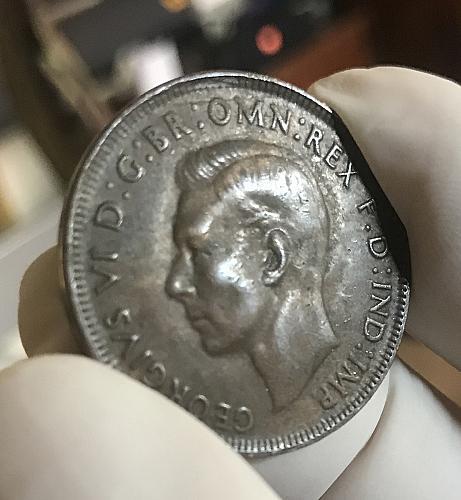1941 K.G. Australian Penny , 97% copper. 4 photo's.