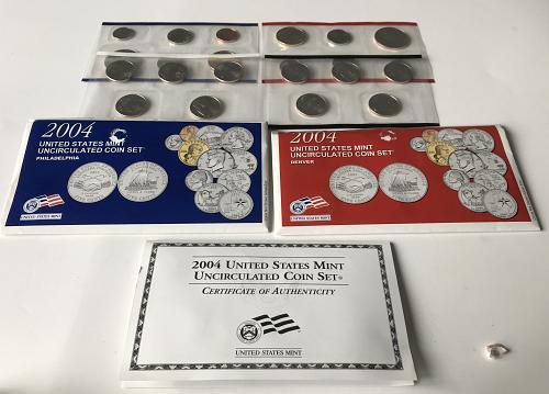 2004 P&D US Uncirculated Mint Set in the envelopes W/COA