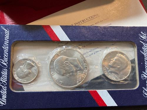 1976 Uncirculated US Mint,  Silver Clad 3 Coin Set