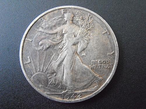 1942 S Walking Liberty Silver Half Dollar, (42SUE2)