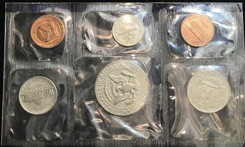 1987 Uncirculated Mint Set with paper work
