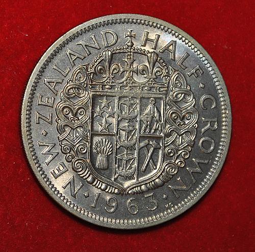 New Zealand Half Crown 1963 W345