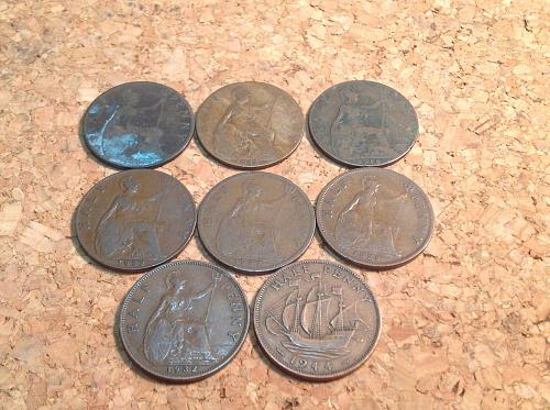 Collection of 8 Great Britain half Penny's 1906-1944