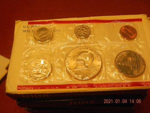1976 -P+D 12 Coin Bicentennial   MINT SET Direct from the Mint in OGP