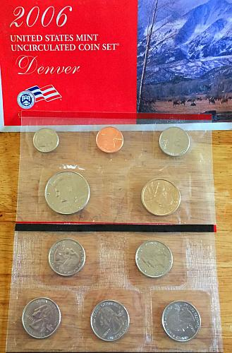 2006-P&D Uncirculated Mint Set.
