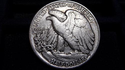 1944-P WALKING LIBERTY SILVER HALF DOLLAR IN VERY FINE CONDITION  B-11-21