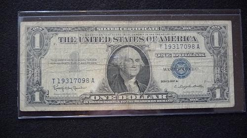 1957-B ONE DOLLAR SILVER CERTIFICATE #-T19317098A  IN GOOD CONDITION  B-25-21