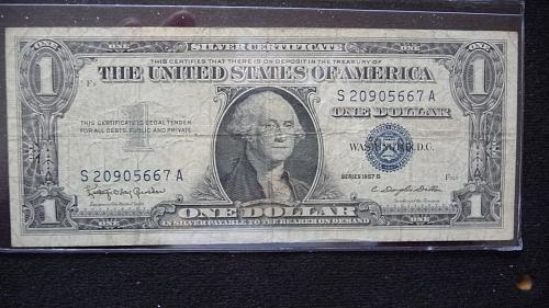 1957-B ONE DOLLAR SILVER CERTIFICATE #-S20905667A  IN GOOD+ CONDITION  B-25-21