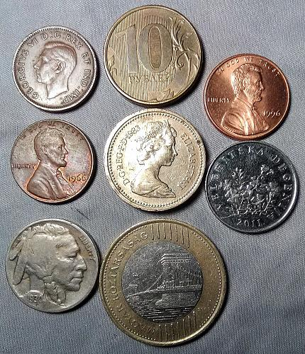 Mixed Lot: 1930 Buffalo Nk, UK Crown, Hungary 200 Forint, Russia, Croatia, etc.
