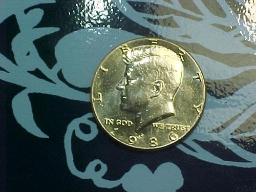 1986 D KENNEDY HALF DOLLAR       ak19