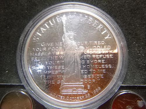 STATUE OF LIBERTY DEDICATED 1886 RESTORATION SLIVER PLATED COIN
