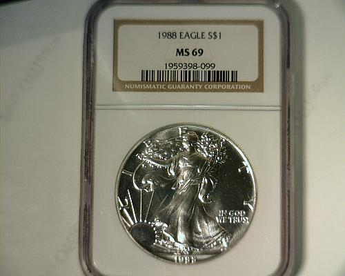 1988  SILVER AMERICAN EAGLE  NGC MS-69   NICE LOOKING COIN!!