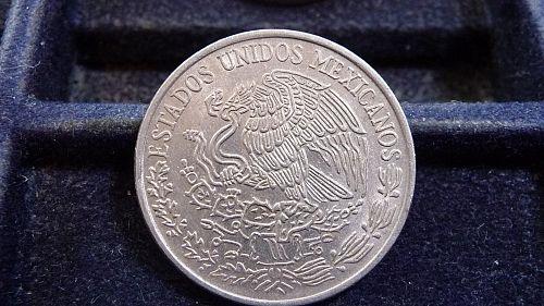 1975 MEXICO 50 CENTAVOS COIN IN CIRCULATED CONDITION  D-20-21