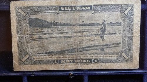 VIET-NAM 1 MOT DONG  CURRENCY IN G/VG CONDITION  D-2
