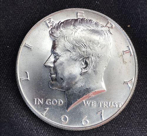 1967 Kennedy Half Dollar -- 40% Silver (0611-23)