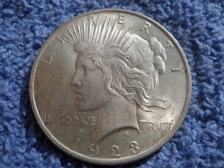 1922 Peace Silver Dollar $1 AU-55